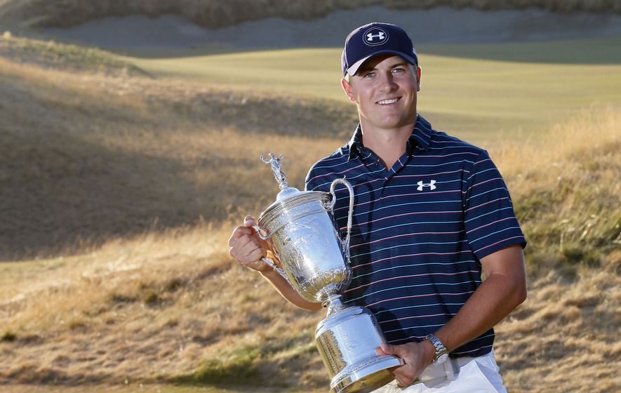 Spieth narrows gap to world number one McIlroy