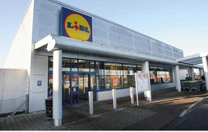 Grocery discounter Lidl sees surge in popularity