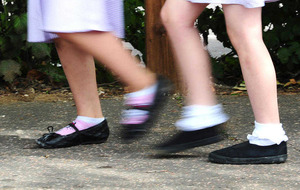Single-sex schools 'put girls at disadvantage'