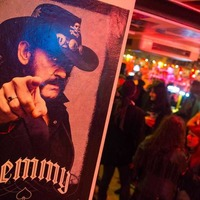 Rock's biggest names gather for Motorhead's Lemmy funeral