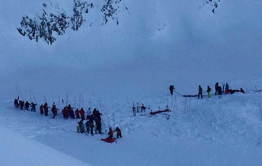 Three killed as avalanche enguls school trip skiers on 'closed' piste