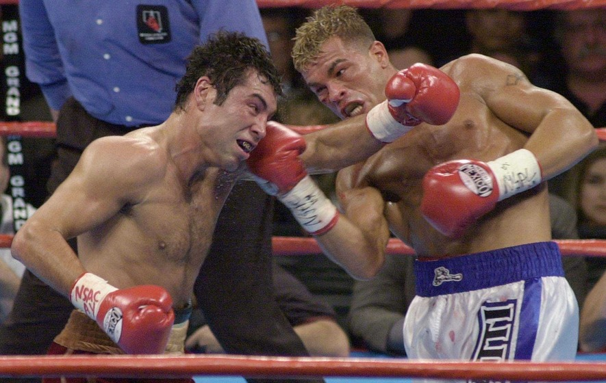 On This Day - Feb 4: a boxing Golden Boy, Oscar de la Hoya, weighs in