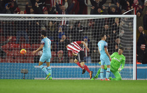 Southampton beat West Ham despte Wanyama sending-off