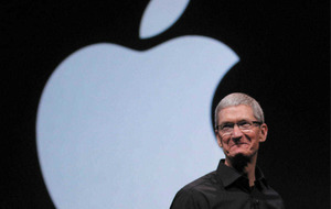 Apple boss Tim Cook earned £117 million in 2016