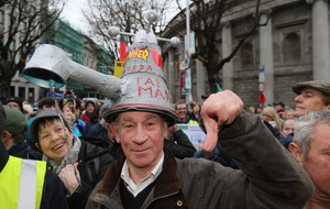Election candidates join Dublin protest against water charges