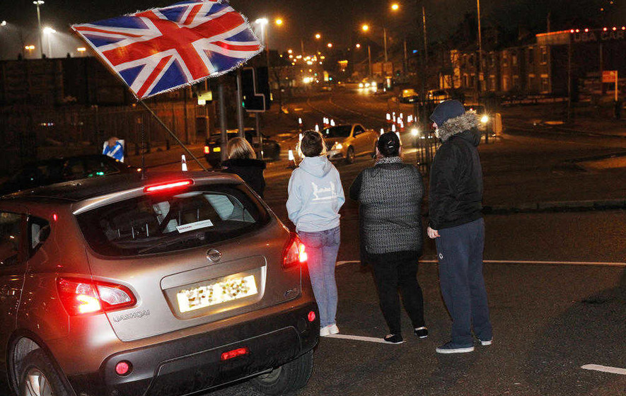 Veteran loyalist calls for flag protest convictions to be expunged