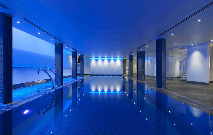 Family Hotel In London With Swimming Pool