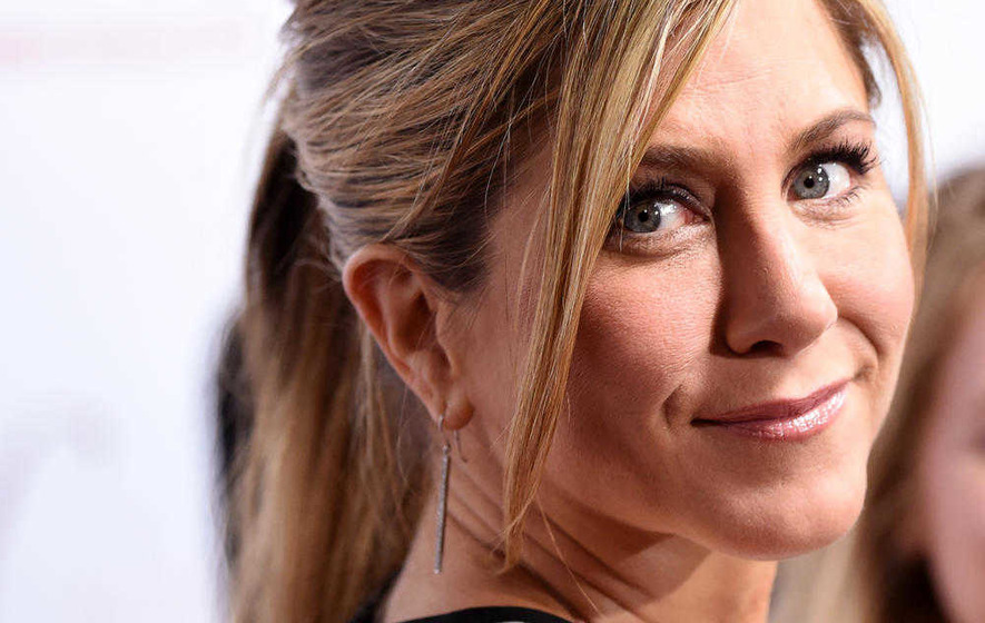 Sleb Safari: Jennifer Aniston's secret to getting in shape