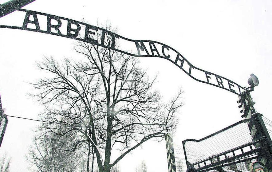 Auschwitz camp guard (93) dies before trial can begin