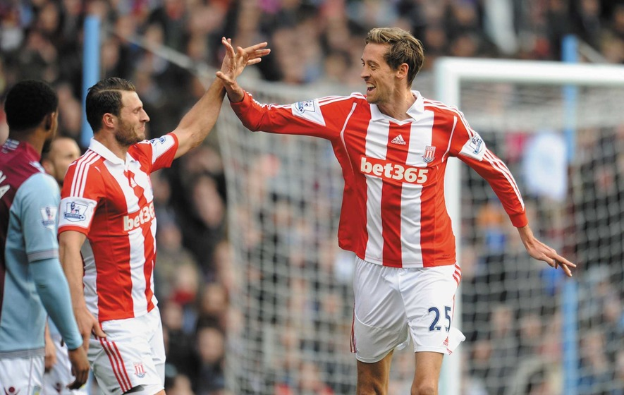 Stoke striker Peter Crouch backing Tottenham for the title