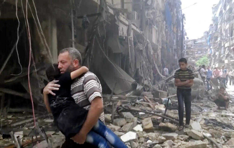 Air strikes and shelling kill more than 60 people in Syria