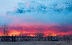 Further evacuations as Canada wild fires rage on