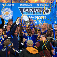 Leicester enjoy day in the sun with crushing victory over Everton