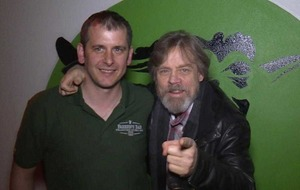 Star Wars actor Mark Hamill pays visit to pub in Malin Head