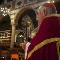 Thomas Becket relic arrives at Westminster Abbey as pilgrimage continues