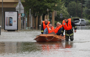 Floods kill five people in France, Germany