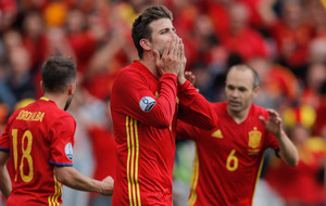 Gerard Pique relieved as late goal sees Spain past Czechs