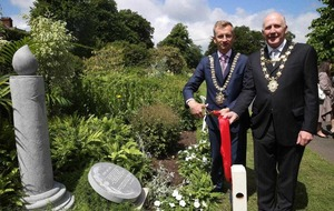 Belfast organ donors honoured with new Botanic Gardens sculpture