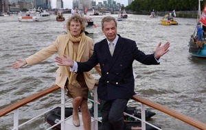 Geldof and Remain campaigners clash with Farage on Thames