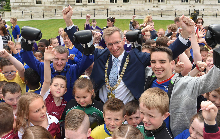 Olympic boxers show their skills at City Hall send-off