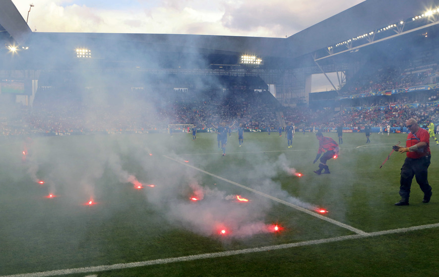 Croatian coach Ante Cacic fumes after flares thrown in draw with Czech Republic