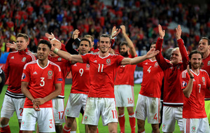 Brilliant Wales claim spot in Euro 2016 semi-finals