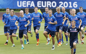 Iceland have chance if they get tactics right - Aron Gunnarsson