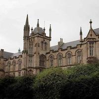 Graduate medical school must support disadvantaged students