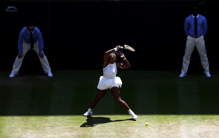 Kerber wins 1st set in Wimbledon semifinals