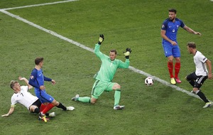 Antoine Griezmann double puts France in final