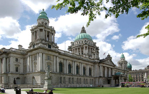 How to direct an Irish-speaking alien to Belfast City Hall?