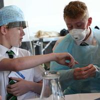 School pupils quiz doctors about careers in medicine