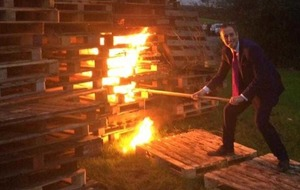 Criticism after DUP minister lights Eleventh Night bonfire