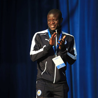 Chelsea sign midfielder N'Golo Kante from Leicester