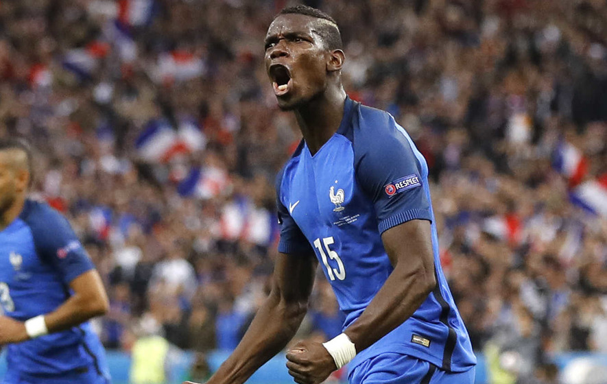 Paul Pogba given permission to have Man United medical
