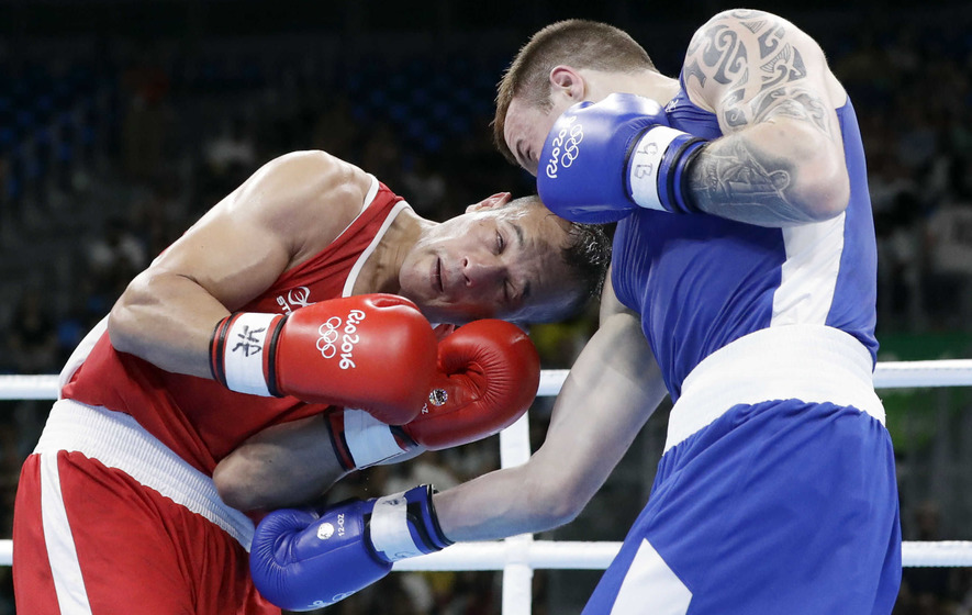 Steven Donnelly eases into welterweight last 16 in Rio