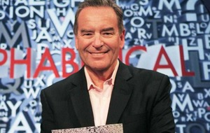 A man of letters: Jeff Stelling's unbelievable new quiz show