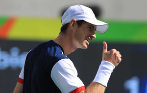 Andy Murray into Olympic quarter-finals despite scare