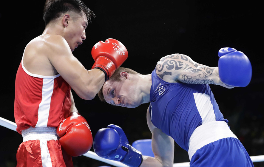Win over Byamba puts Steven Donnelly on the brink of medal