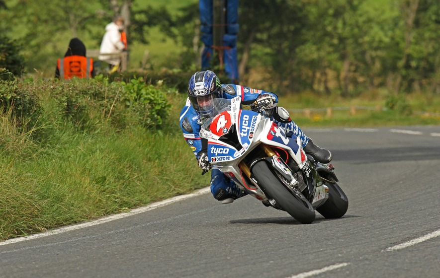 Ulster Grand Prix gets under way at Dundrod