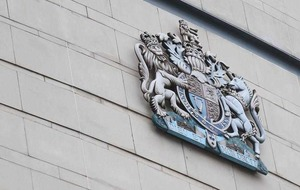 Man arrested with two knives claimed he had them to eat, court hears