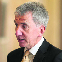Ó Muilleoir told to stand aside until Bryson probe concludes