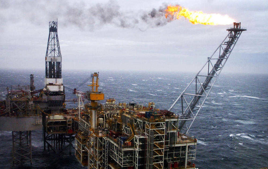 Oil supply fears sees falls in FTSE