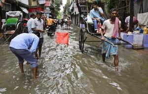 Monsoon season sees 40 dead as rain waters flood India