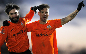 Glenavon end Ards' run to go top of Danske Bank Premiership