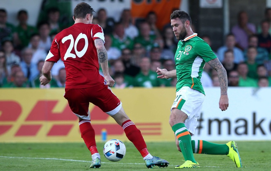Newcastle sign Ireland's Daryl Murphy from Ipswich Town