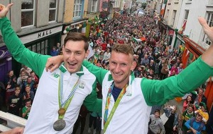 Thousands welcome Olympic silver medallists the O'Donovan brothers back to Skibbereen