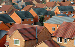 House prices fall takes average UK figure to £213,930