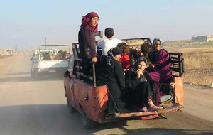 100,000 displaced by fighting in central Syria in eight days