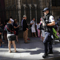 Women suspected over Paris gas cannisters had pledged allegiance to IS